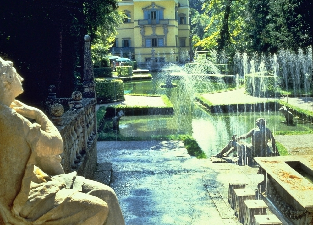PIC FOR SUNDAY MERCURY TRAVEL FEATURE Salzburg  Trick fountains in Hellbrunn